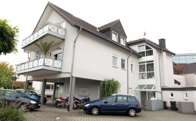 Wohn- und Geschäftshaus in Ober Roden  Lang Haus + Wohnung Vetriebs GmbH in Rödermark